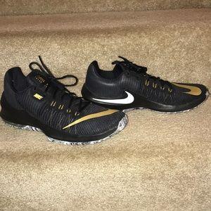 Nike Airmax Infuriate II Size US Men's 10